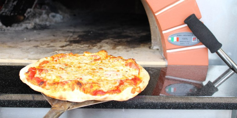 wood-fired-pizza5_1000x500.jpg