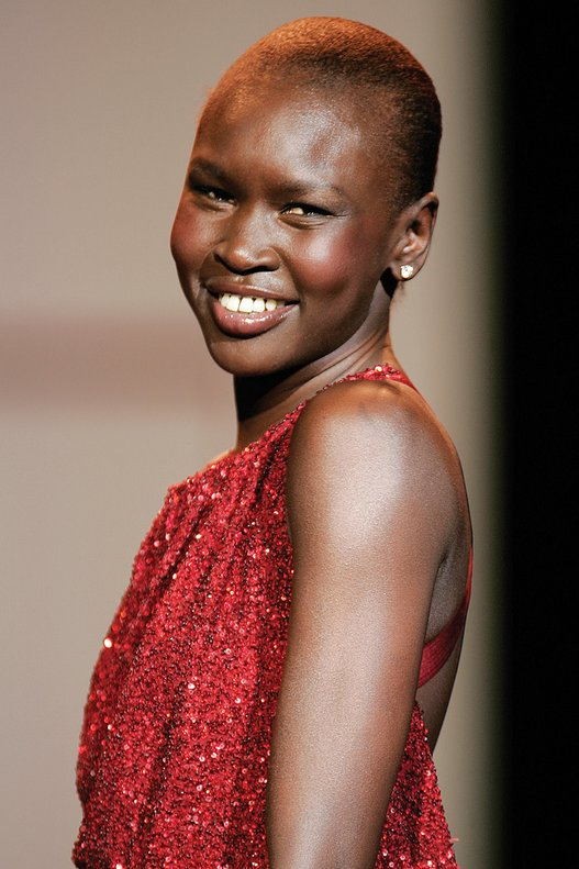 Alek_Wek,_Red_Dress_Collection_2007.jpg