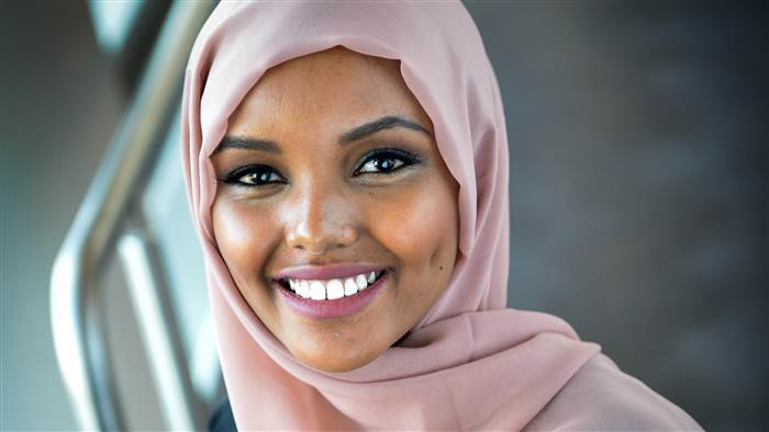 halima-aden-miss-usa-today-161130-tease_820708b331a5564b54db86dd93e6be1d.today-inline-large.jpg