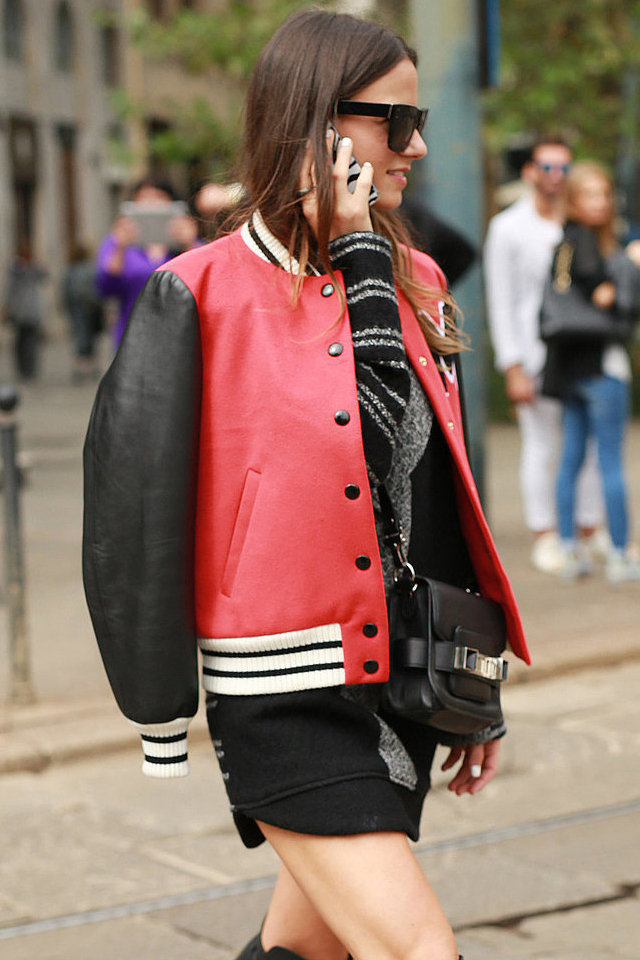 large_Fustany_-_Fashion-style-ideas-street-style-how-to-hang-your-jacket-over-your-shoulders-19.jpg